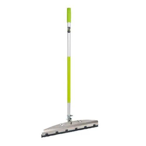 Wolff Ausgleichsmassenrakel 56cm - Ermöglicht das Auftragen von Ausgleichsmassen im Stehen